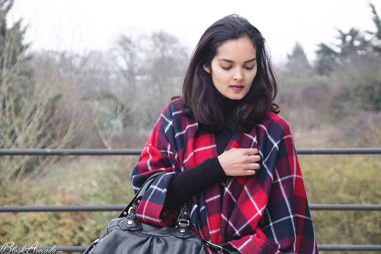 OOTD Poncho a carreaux