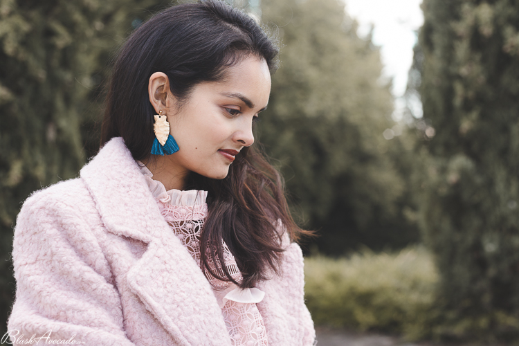 Look : le manteau rose pâle