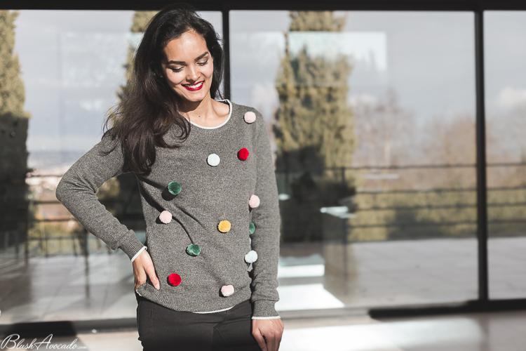 Look : le pull à pompons pour Noël