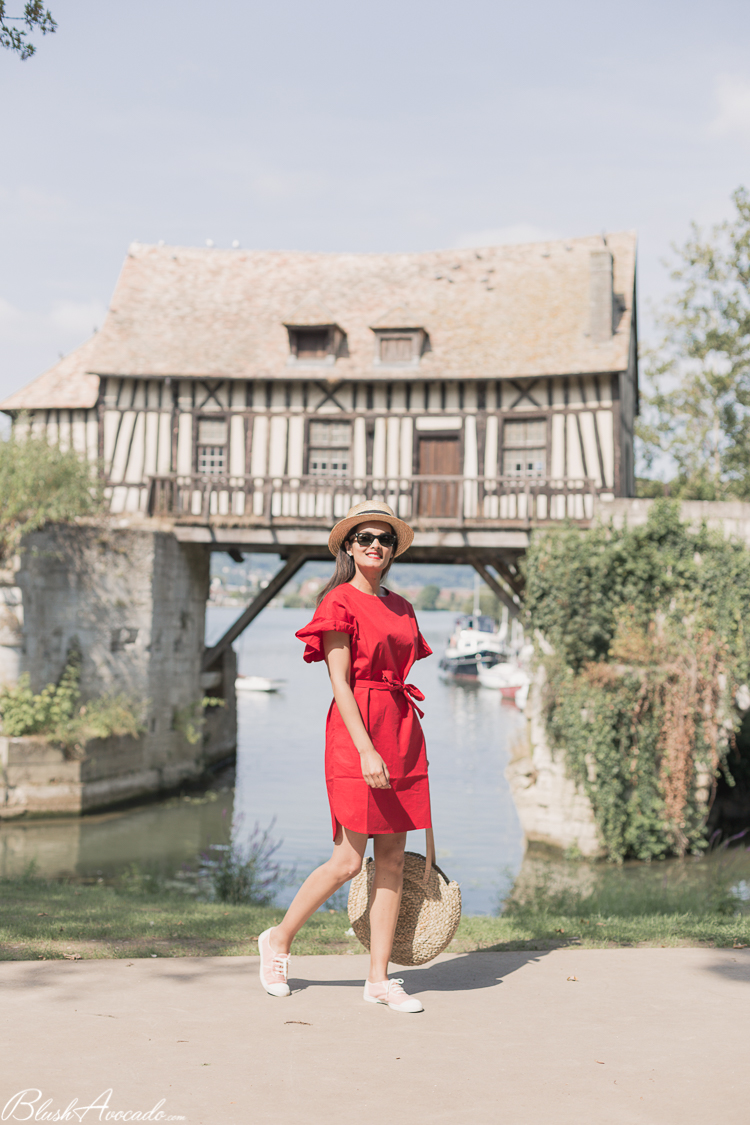 Look : l'indispensable robe rouge
