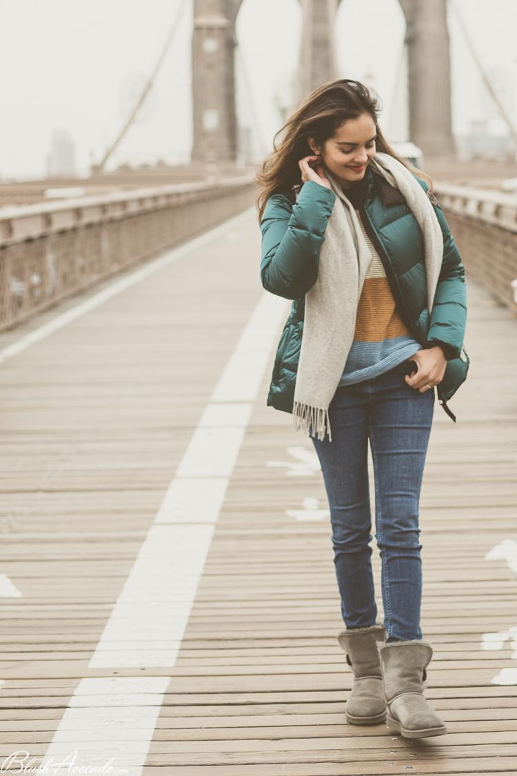 En doudoune sur le Brooklyn Bridge