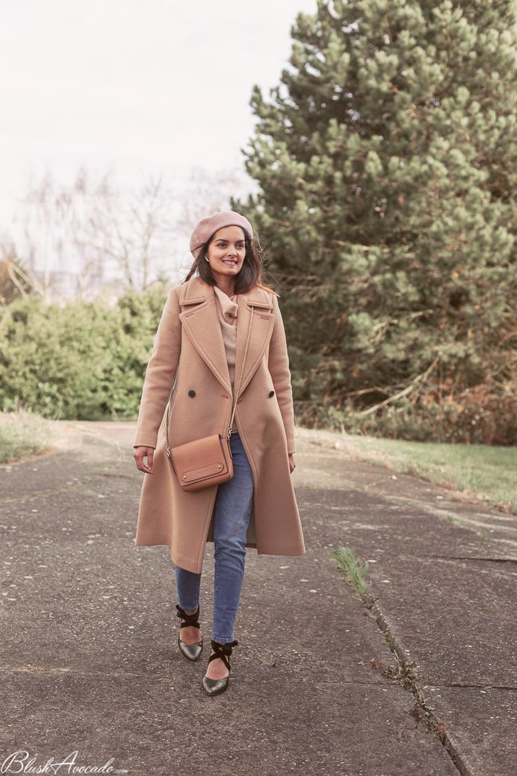 Dernier look hivernal avec le manteau beige en laine