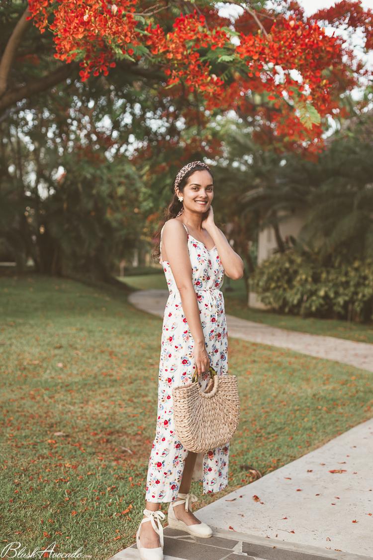 Flamboyants et robe longue d'été