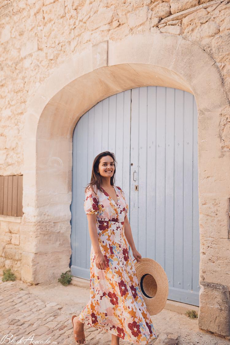 Premier look en Provence, dans le charmant village de Lacoste
